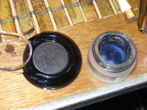The pot of Lancôme indigo cream shadow on the right formed the gorgeous deep base layer of the eye look...and I want it. Sadly I'll have to wait for it to hit the shelves in fall '09.